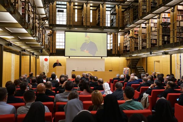 the library at - Pontifical Oriental Institute